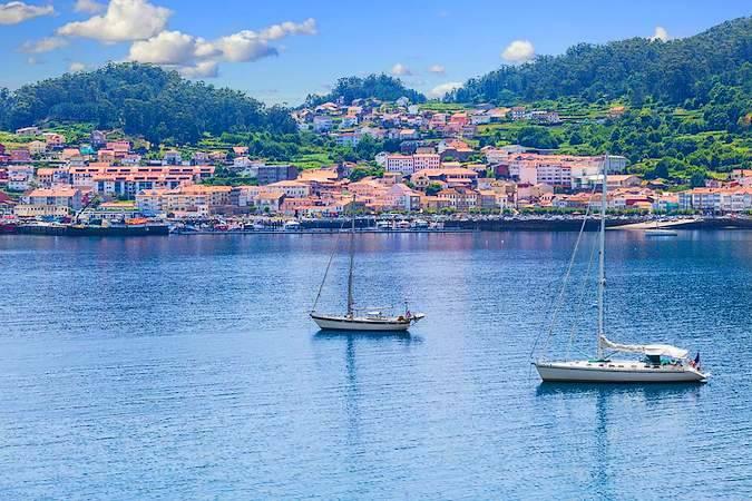 Muros: monumentos, playas y cigalas en Galicia