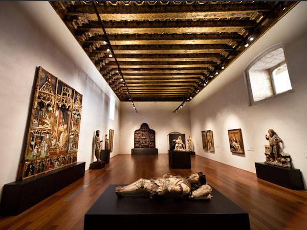 Descubriendo el museo nacional de escultura policromada