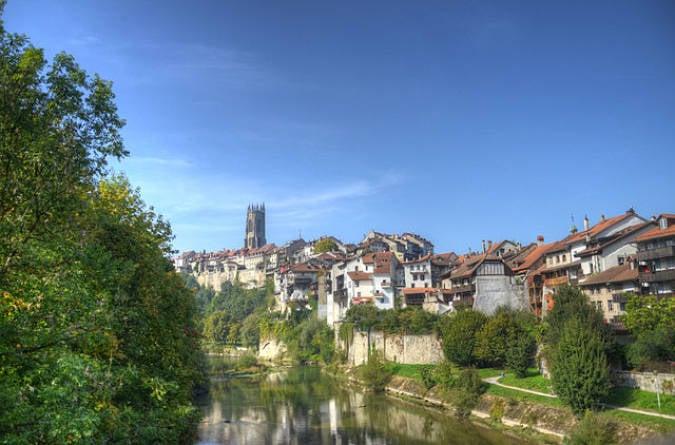 Navidades blancas en la ciudad suiza de Fribourg