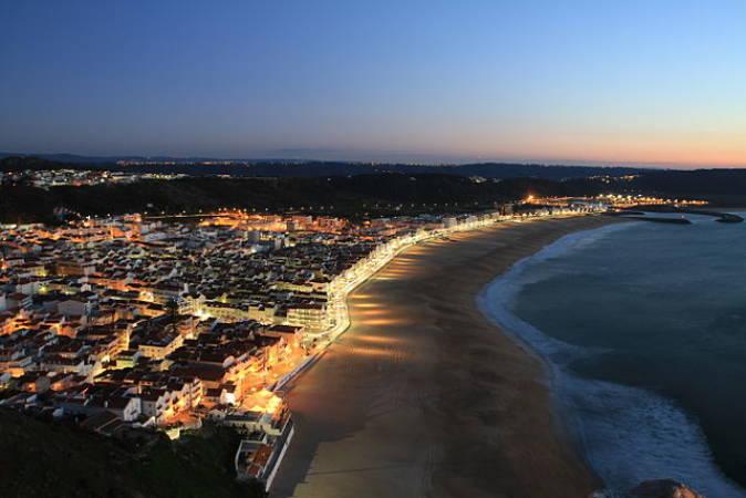 Nazare, el paraiso del surf en Portugal