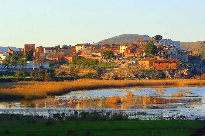 Nuévalos, el pueblo del Monasterio de Piedra