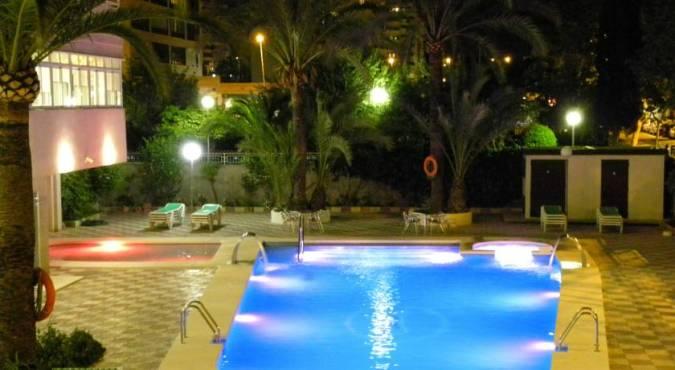 Oferta de hoteles en benidorm en alicante for Oferta hotel familiar benidorm
