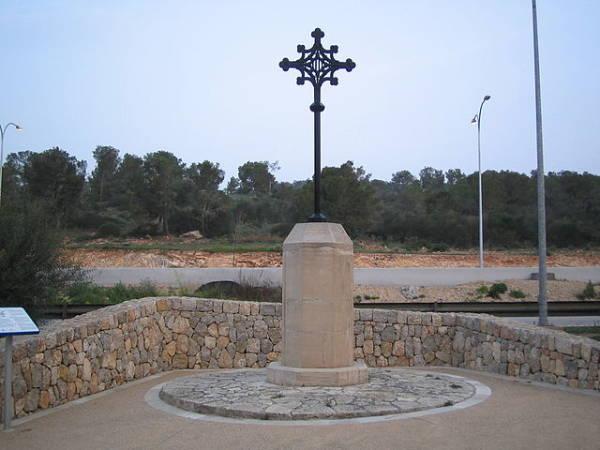 Monumento en el Paseo Calvià, en Palmanova, Mallorca