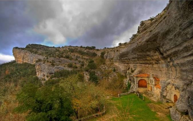 El Monumento Natural de Ojo Guareña, en Burgos