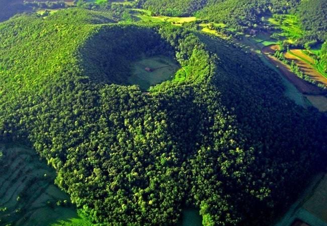 Resultado de imagen de fotografoas de los volcanes de olot