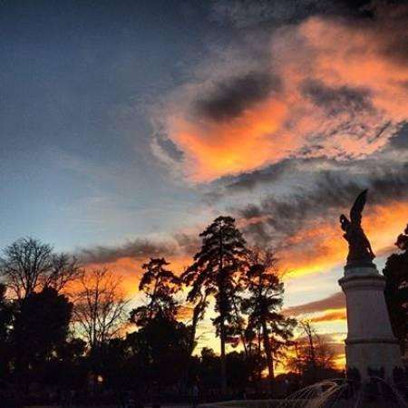 Monumento al Ángel Caído de El Retiro en otoño