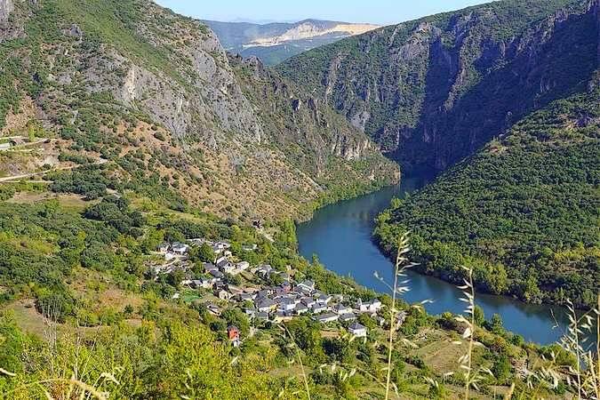 http://www.turismo.gal/recurso/-/detalle/17162/serra-da-encina-da-lastra?langId=es_ES&tp=1&ctre=2