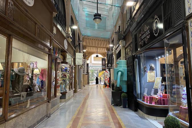 El histórico Pasaje de Ripalda, en el corazón de Valencia