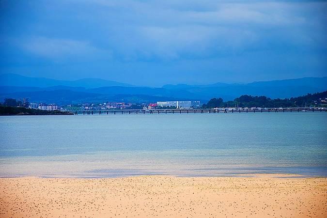 Disfruta en Pedreña del mar, el marisco y el golf