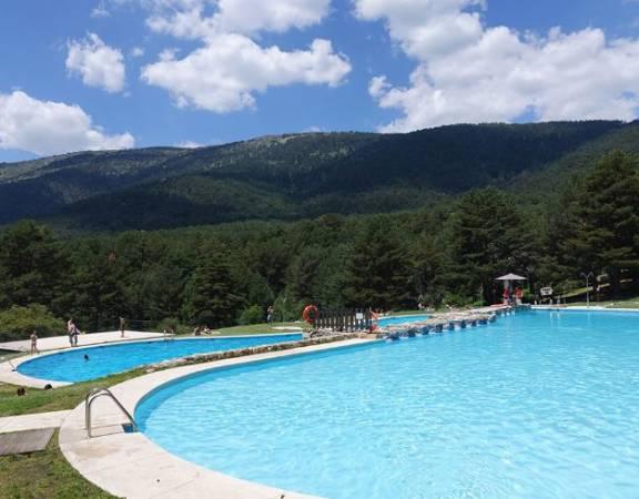 piscinas y montaña
