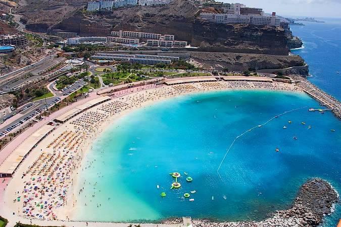 Playa de Amadores, buen destino familiar en Gran Canaria