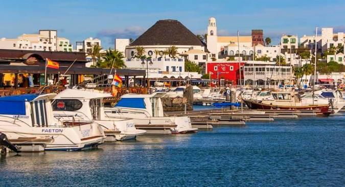 Playa Blanca, las vacaciones más animadas en Lanzarote