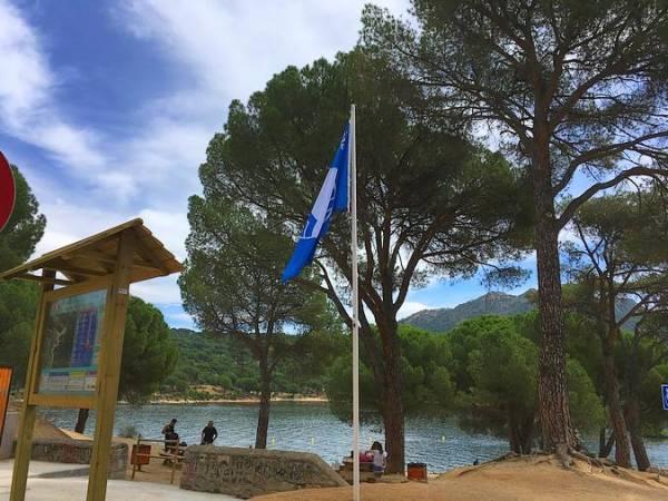 Bandera Azul para las playas del Pantano de San Juan, en Madrid