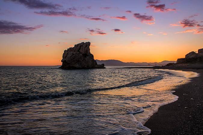 Atardecer en la playa de La Cala del Moral, en Málaga