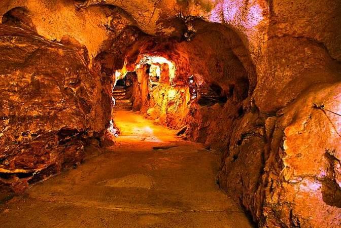 Cueva del Tesoro, en La Cala del Moral, Málaga
