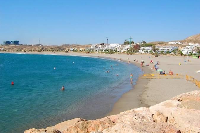 Playa de Las Marinicas, en Carboneras, Almería
