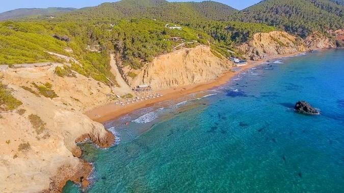 La playa nudista de Aigües Blanques, en Ibiza