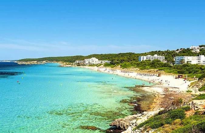 La Playa de Santo Tomás, en Menorca