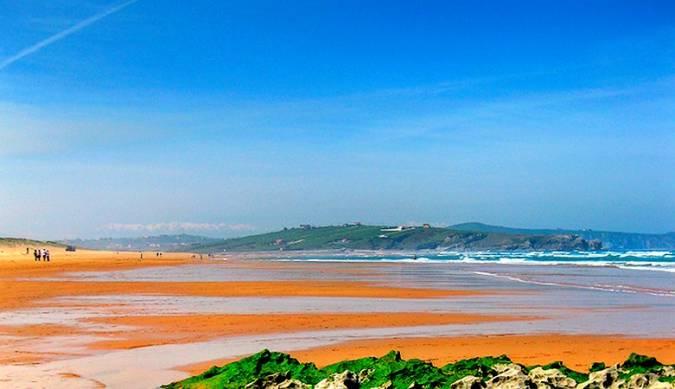 Playa de Valdearenas, en Liencres, Cantabria