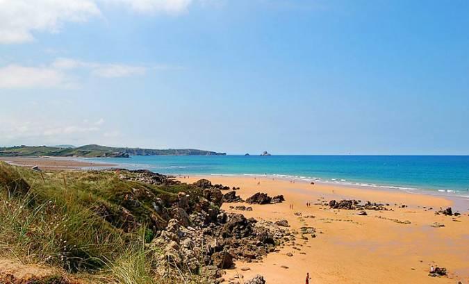La Playa de Valdearenas, en Liencres, Cantabria