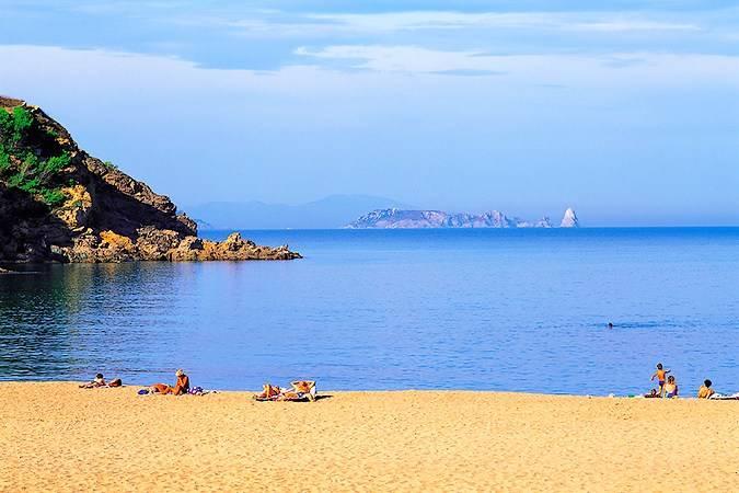 Cala Sa Riera, en Begur, Girona