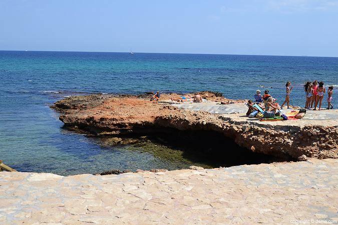 Playa de la Punta Negra, en Denia