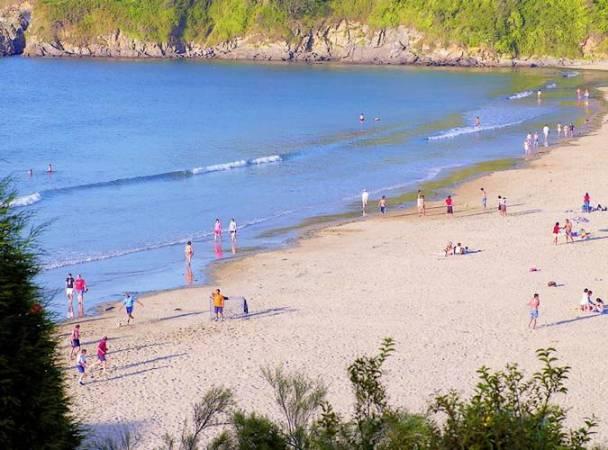 Playa de Bastiagueiro, en Oleiros, A Coruña