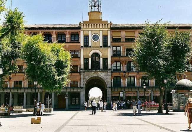 Descubre la Plaza Zocodover en Toledo