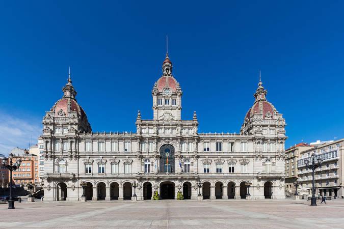 Un paseo por las plazas de A Coruña