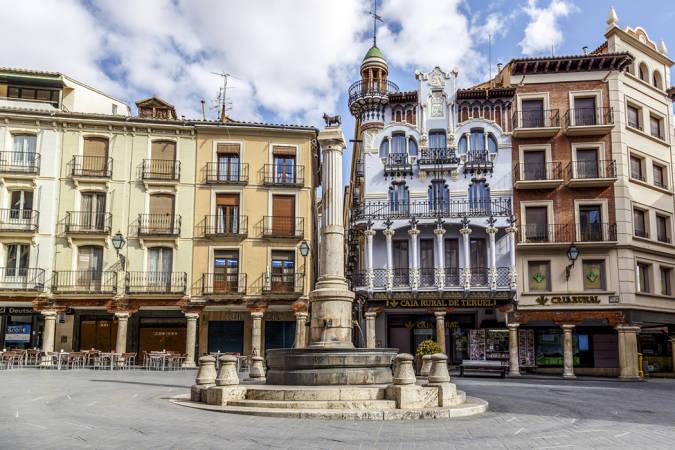 Tres plazas históricas en Teruel