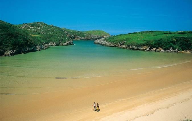 Poo de Llanes, en la Costa Verde de Asturias