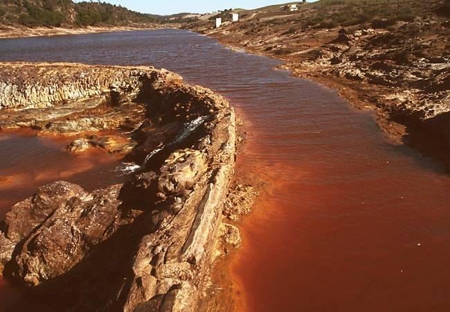 ¿Sabes por qué el río Tinto es de color rojo?