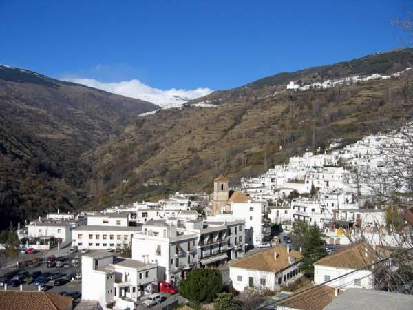 Panorámica de Pórtugos, en Granada