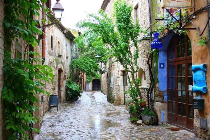 El pueblo medieval de Peratallada, en Girona
