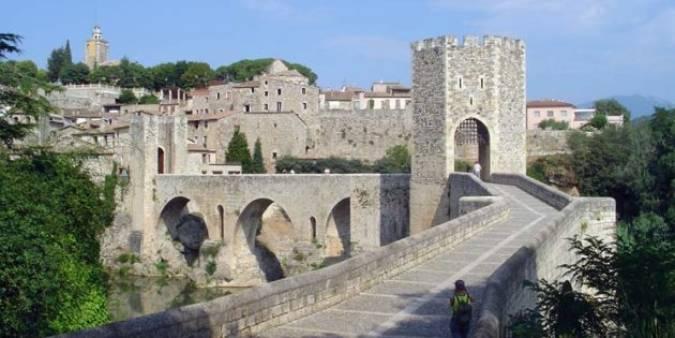 Pueblo medieval de Besalú, en Girona