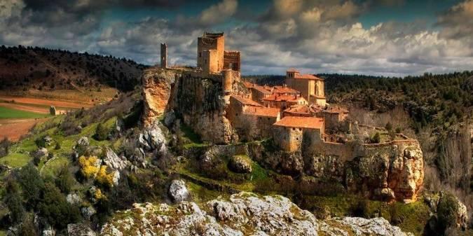 El pueblo medieval de Calatañazor, en Soria