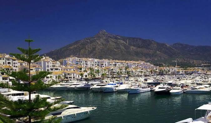 Puerto Banús, turismo de lujo en Marbella