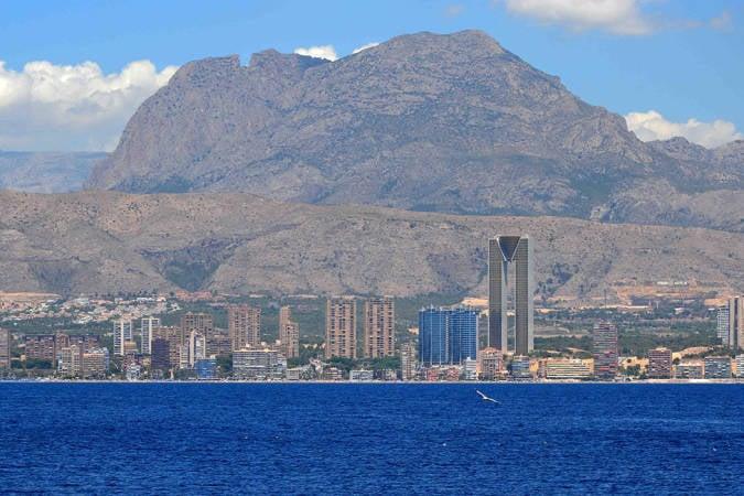 El Puig Campana o la Montaña Mágica, en Alicante