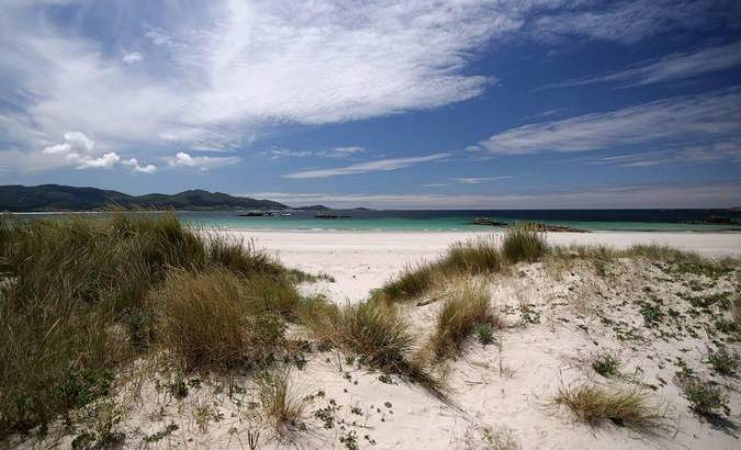 Carnota, playas y hórreos en A Coruña