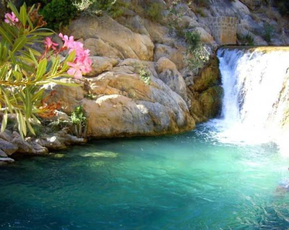Jalance un pueblo valenciano con mucho encanto for Piscinas naturales valencia