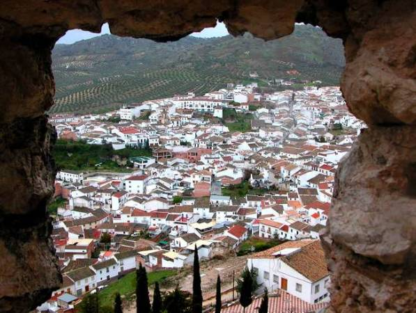 Luque, un pueblo cordobés dominado por un castillo