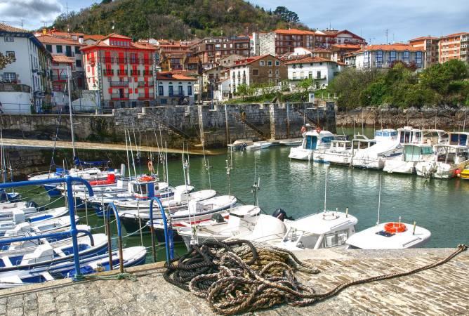 Puerto de Mundaka, en Vizcaya, País Vasco