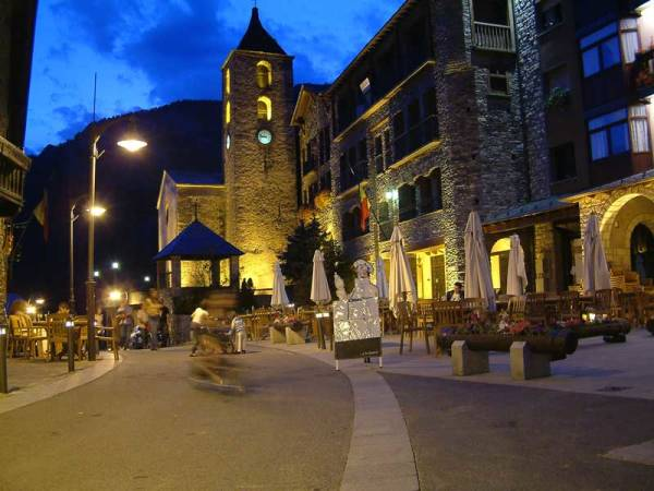 Ordino, en Andorra, por la noche