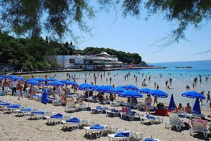 Playa de Bacvice, en Split, Croacia