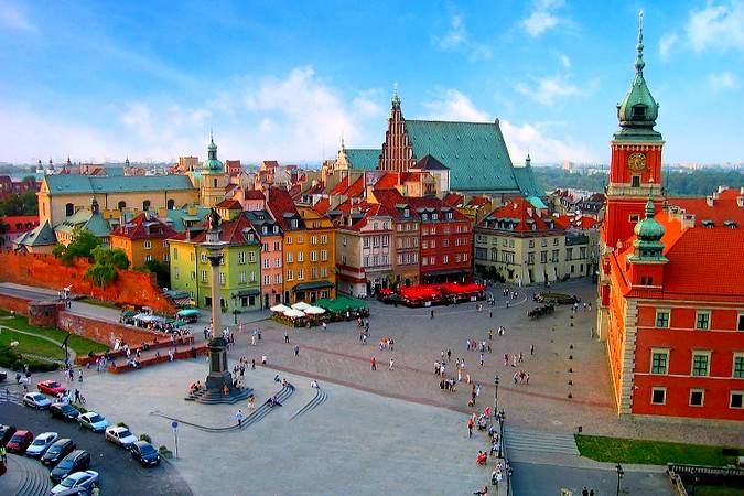 La alegre ciudad de Varsovia, en Polonia