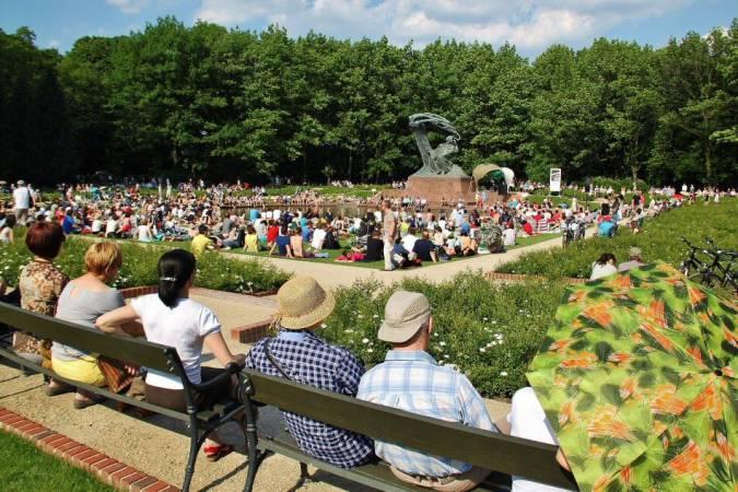 Concierto al aire libre en el Parque Lazienki de Varsovia