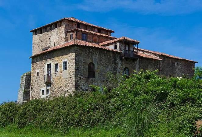 Casa de los Calderón de la Barca, en Viveda, Cantabria