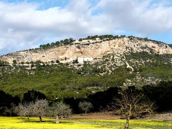 El Puig de Randa y sus tres monasterios, en Mallorca