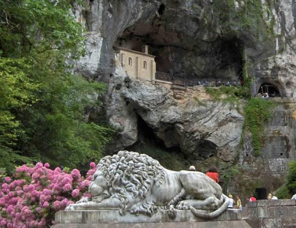 Cueva Santa de Covadonga, en Asturias