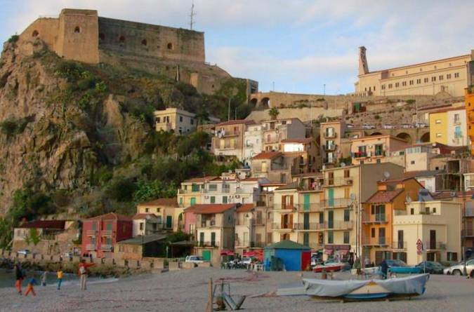 Reggio Calabria, destino de mar y montaña en Italia